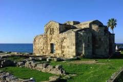 Руины монастыря